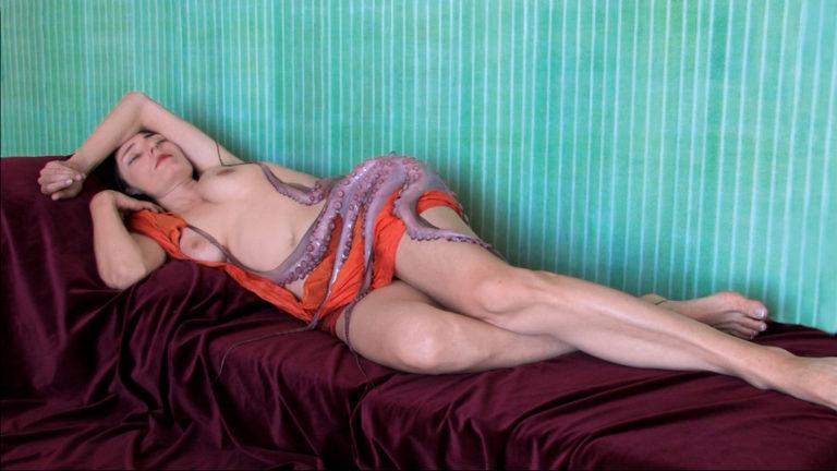 Judith Albert , Nu à l'écharpe orange, 2009